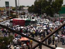 20070515105048-protesta-taxis-ecatepec-1.jpg