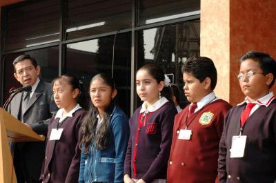 20070522113807-ninos-ecatepenses-al-parlamento-infantil.jpg