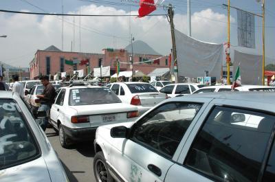 20070919175613-bloqueo-taxistas-2.jpg