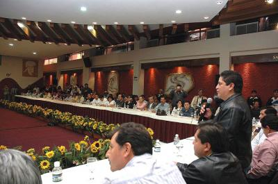 Vergonzozo que Peña Nieto gaste más en publicidad que en varios rubros del gasto social, denuncia Gutiérrez Cureño