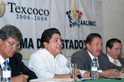 La Reforma del Estado debe incluir la reelección de alcaldes, propone Gutiérrez Cureño.