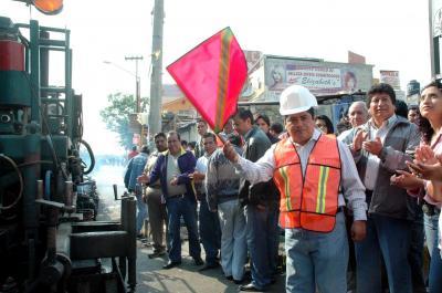 Se repavimenta la avenida Valle de Guadiana