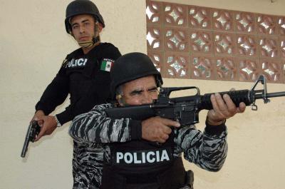 Ecatepec participa en operativo intermunicipal para combatir al narcomenudeo; equipa a su policía con nuevo armamento y chalecos antibalas