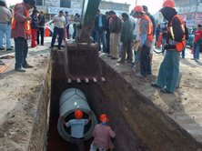 Se inició la construcción del colector Insurgentes que evitará inundaciones en La Veleta y las colonias circunvecinas;  tianguistas priístas impedían la obra