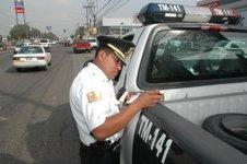 La policía municipal se dará una sopa de su propio chocolate; se infraccionará al elemento que viole el Reglamento de Tránsito.
