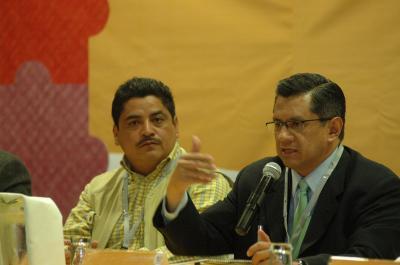 Invertir en el ejército es caro y malo, dice Gutiérrez Cureño; alcaldes perredistas apoyan la expropiación de predios utilizados por el hampa