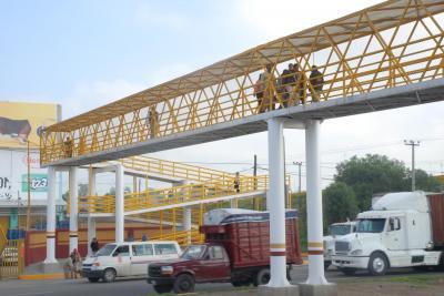 Puente peatonal en la carretera Lechería Texcoco, a la altura de la Central de Abasto, evitará accidentes