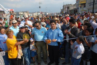 20071009143306-cureno-inaugura-avenida-recursos-hidaulicos.jpg