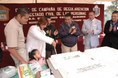Celebran boda comunitaria en el CERESO de Chiconautla