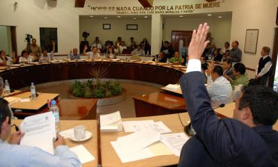 Piden que se cambie el nombre a las calles Luis Echeverría y Salinas De Gortari
