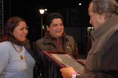 20071122104912-oscar-chavez-2.jpg