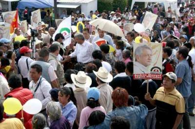AMLO en Edomex: Desde que usurpó la presidencia, Calderón se ha dedicado a fregar con saña al pueblo, afirmó López Obrador