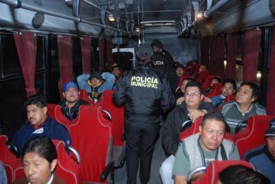 La policía municipal implementa operativo para evitar asaltos en el transporte público