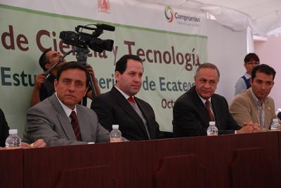 Peña Nieto dice no a la UNIME, sí a la Universidad  Mexiquense del Bicentenario