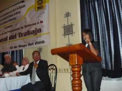 20100531053821-diptada-federal-ecatepec-foro-laboral.jpg