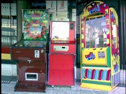 20120228011752-maquinas-de-videojuegos-y-pinballs-7fad3b57-3.jpg